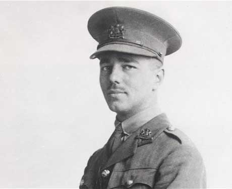 alliteration and simile in dulce et decorum est by owen Dulcet decorum est  wilfred owen uses the theme,  in dulce et decorum est the rhythm and rhyme are to give the reader the full emotional experience of the.